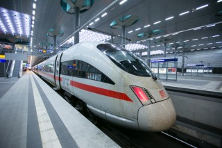 Siemens moving toward making offer for Alstom