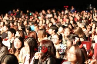 """[GALLERY] 2PM's """"GO CRAZY"""" World Tour LA Concert"""