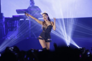 Did Ariana Grande refuse to enter Korea?