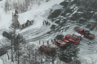 One dead as volcano erupts near Japan ski resort