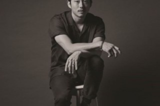 Steven Yeun's flag controversy grows despite apology