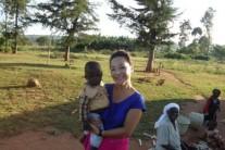 '외아들 잃고 아프리카로 떠난 여인, 140명 케냐 어린이의 엄..