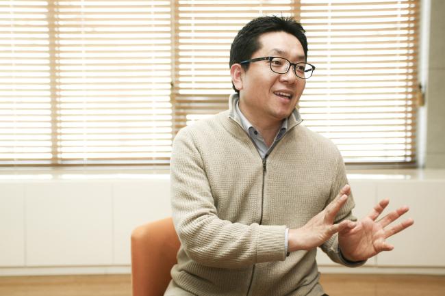 """[이 사람-'아이디어 톡' 히트…현대홈쇼핑 김주환 팀장]""""상품 ..."""