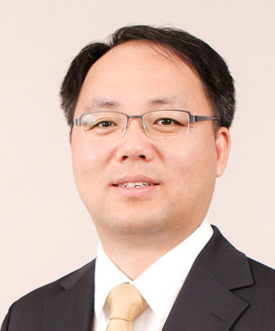 지성진 변호사 사진_얼굴