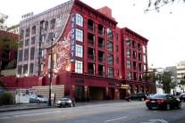 할리우드 레드뷰리 호텔 시애틀 투자자에 팔렸다.