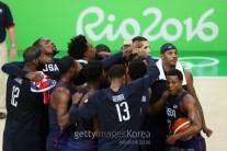 美 드림팀, 세르비아에 30점차 대승…올림픽 남자 농구 3연패 '달성'