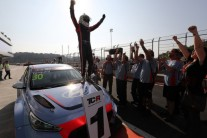 현대차 레이싱카 'i30 N TCR' 데뷔전서 우승