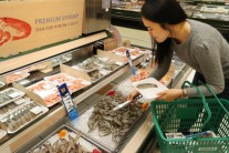 새우, 오징어 제치고 수산물 1위…이마트 전세계 새우 할인대전