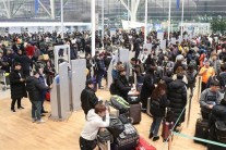 [포토뉴스] 인천공항 제2터미널 개장…붐비는 여행객들