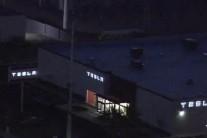 테슬라 사하라 애비뉴 인근에 대형 쇼룸 문 열어