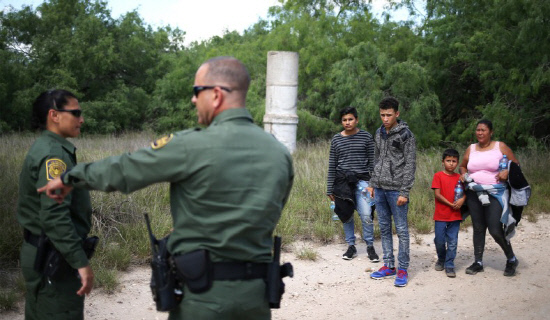 illegal-immigrant-family-border-patrol
