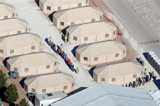 이민자 텐트