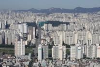 한국 수도권 주택거래량 1년만에 반토막… 서울은 25%로 축소
