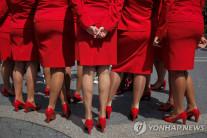 항공업계 '노 메이크업 확산'…버진애틀랜틱 이어 에어링구스도 동참