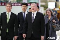 비건, 워킹그룹서 대북식량지원 논의…청와대도 방문