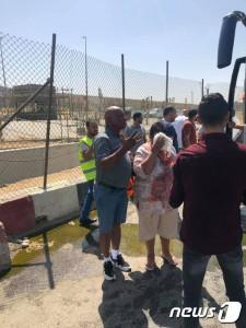 이집트 기자 피라미드 인근에서 19일(현지시간) 관광객들의 버스를 상대로 한 폭탄 테러가 발생해 최소 12명이 부상을 당했다.  © 뉴스1