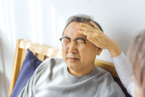 일어설 때 '핑' 기립성저혈압, 대동맥 탄력 떨어지면 위험 ↑