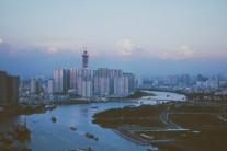 베트남 향하는 미국기업들, '중국 완전 대체 어렵다' 호소