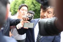 법무부장관 지명서 임명까지…한달간 온나라 달군 '조국'