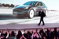 테슬라, 중국 공략에 주가 훨훨…미 최대 자동차 업체로 성장
