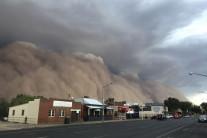 순식간에 '깜깜'…'산불 피해' 호주, 이번엔 먼지 폭풍 덮쳐