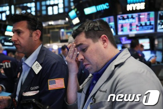 US-U.S.-MARKETS-REACT-TO-HISTORIC-'BREXIT'-VOTE-IN-UK