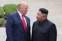 """김여정 """"트럼프, 김정은에 코로나19 방역 협조"""" 친서"""