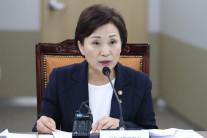 """김현미 장관 """"항공사 M&A 성사되도록 노력해달라""""…인수 협상 당사자 면담"""