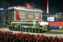 북한, 14일 저녁 열병식 개최한 듯…신무기 등장 가능성